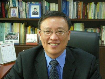 徐仁輝理事長